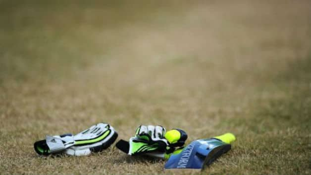 Ranji Trophy 2012: Baroda continue to pile runs against Delhi