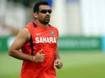 Zaheer, Harbhajan inspect Wankhede pitch after India's training session