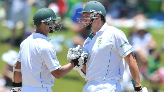 Graeme Smith and Alviro Petersen consolidate for South Africa at Tea