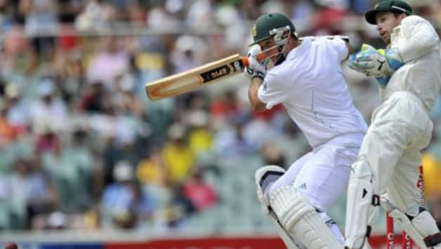 Graeme Smith's ton takes South Africa to 200/2 at Stumps