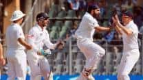 England in command of second Test after spinners stifle India
