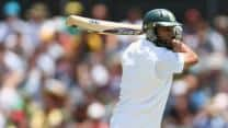 Hashim Amla ton takes South Africa to 320/3