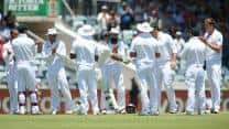 Ricky Ponting gets guard of honour from South Africa before final innings