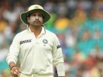 Sachin Tendulkar turns coach for nets bowlers