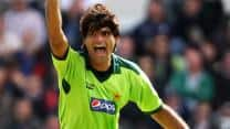 Pakistan pacers will rattle India: Misbah, Hafeez