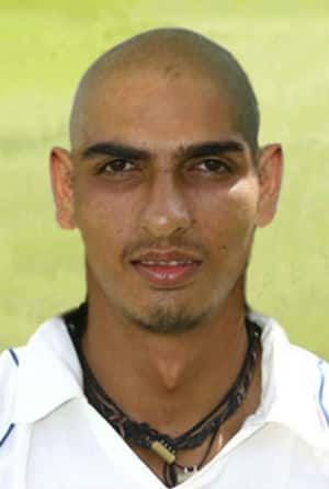 Ishant Sharma transforms into world's fastest bowler after going bald!