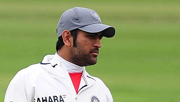 MS Dhoni impressed by young Indian bowlers' nerves