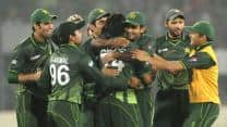 India collapse after a good start in the first T20 against Pakistan at Bangalore