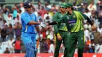 India vs Pakistan 2012: MS Dhoni expresses displeasure over new ODI rules