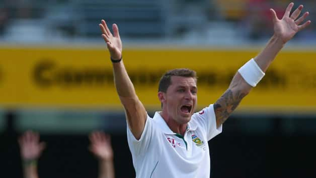 Dale Steyn becomes third fastest bowlers to pick 300 Test wickets
