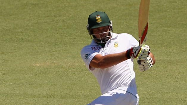 Jacques Kallis becomes fourth batsman in Test cricket to surpass 13,000 runs