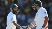 Smith, Amla steady South Africa against New Zealand at Lunch on Day One