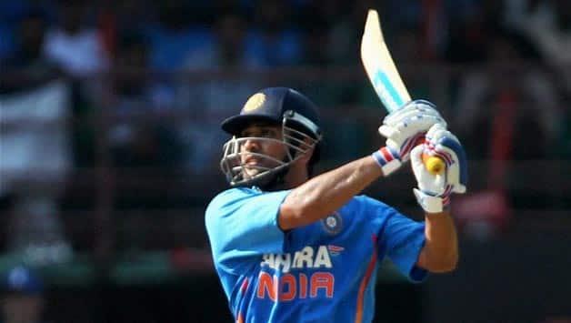 India vs England 2012-13: MS Dhoni survives injury scare ahead of Ranchi ODI