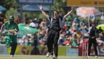 Mitchell McClenaghan's record spell helps New Zealand keep South Africa to 208