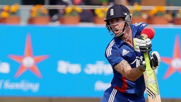 India vs England 2012-13: Kevin Pietersen expresses anger over dismissal in third ODI on Twitter