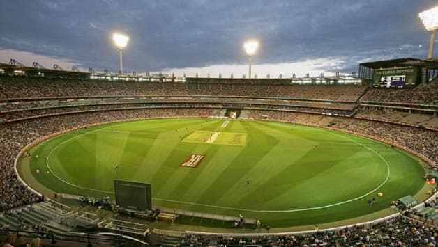 Australia chase 62 off 30 balls after rain interruption