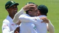 South Africa bowlers run riot as Pakistan lose seven wickets in first session on Day Two