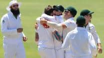 Graeme Smith expects his bowlers to torment Pakistan batsmen again