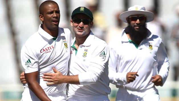 Pakistan fail to capitalise as Philander bags fifer at Lunch on Day Two