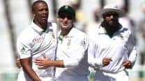 Pakistan fail to capitalise as Philander bags fifer at Lunch on Day 2