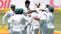 Rahat Ali strikes crucial blows as South Africa lose momentum at Tea