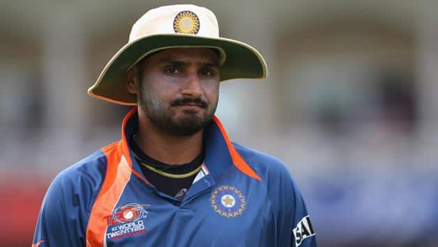 Harbhajan Singh announces retirement from Day 1 of Test cricket!