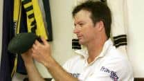 Michael Clarke and Shane Watson should sort out differences, asserts Steve Waugh
