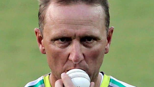IPL 2013: Allan Donald will not set targets for Pune Warriors India