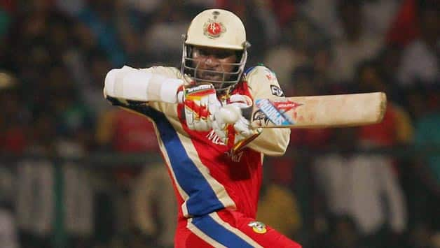 IPL 2013 Live cricket score, RCB vs KKR at Bangalore: Royal Challengers begin chase of 155