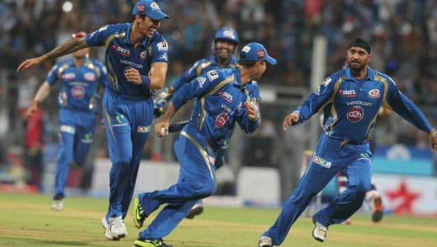 Mumbai Indians celebrate homecoming with a 44-run victory over Delhi Daredevils