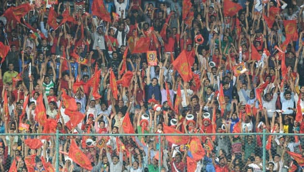 IPL 2013: Royal Challengers Bangalore fans excited with victory over Chennai Super Kings