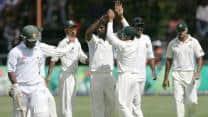 Zimbabwe stumble in reply to Bangladesh's 391 at tea on Day 2