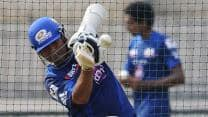 Sachin Tendulkar hit on hand in practice, will play against Royal Challengers Bangalore