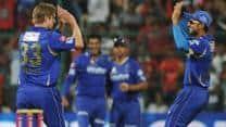 Darren Sammy's half-century lifts Sunrisers Hyderabad to 144/9 despite James Faulkner's five-for