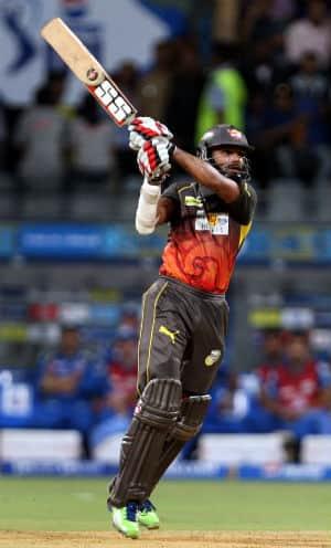 IPL 2013: Shikhar Dhawan, Cameron White propel SRH to 178/3 against Mumbai Indians