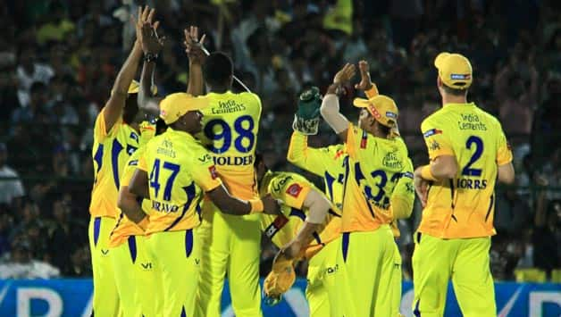 IPL 2013 Live cricket score, CSK vs DD at Chennai: Virender Sehwag falls in 1st over