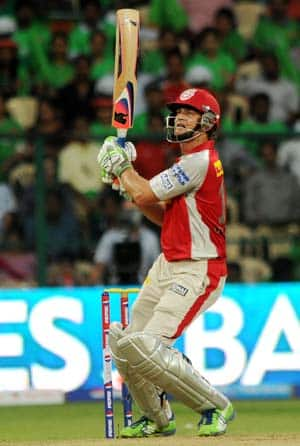 IPL 2013: Adam Gilchrist and Azhar Mahmood rekindle memories of a bygone past with electrifying batting