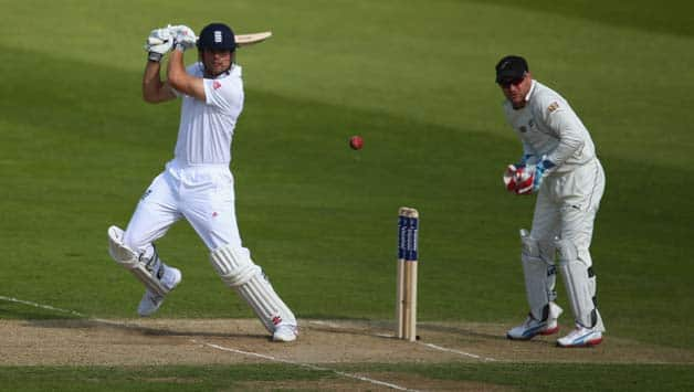 Alastair Cook scores ton as England pile on runs against New Zealand at lunch on Day 4