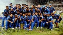 Bollywood congratulates Mumbai Indians on Twitter