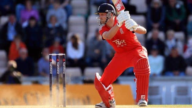 Michael Vaughan opines those criticising Jonathan Trott don't know cricket