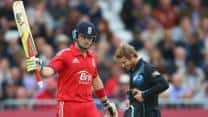 Ian Bell's half-century and Jos Butler's late surge helps England post 287/6 against New Zealand in 3rd ODI