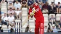 Ian Bell, Jos Buttler guide England to consolation win against New Zealand