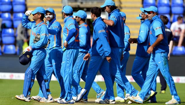 India vs South Africa Live Cricket Score, ICC Champions Trophy 2013 match: Ishant picks up du Plessis, India on top