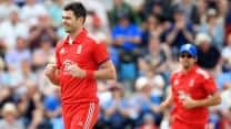 ICC Champions Trophy 2013: Disciplined England thrash Australia by 48 runs