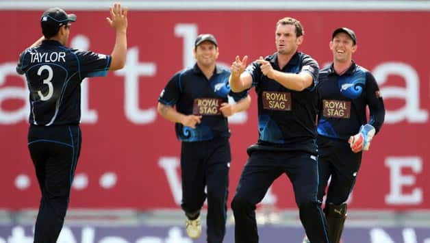 ICC Champions Trophy 2013: England-New Zealand tie resumes after rain interruption