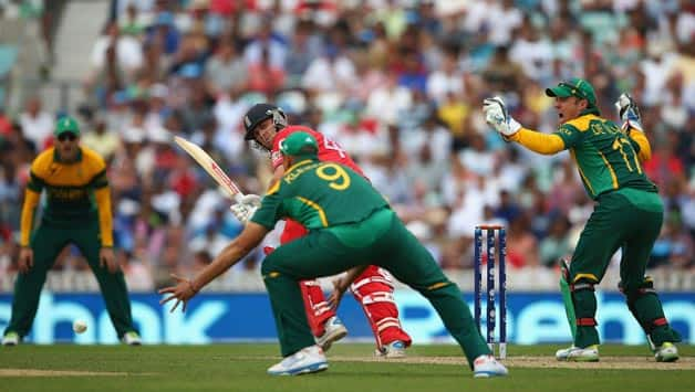 England vs South Africa Live Cricket Score, ICC Champions Trophy 2013 1st semi-final: Trott brings up fifty