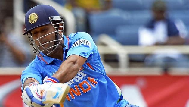 India vs Sri Lanka 2013 Live Cricket Score: Dhoni holds fort in close finish