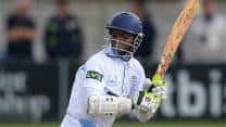 Shivnarine Chanderpaul's blitz helps Derbyshire to victory in Friends Life T20