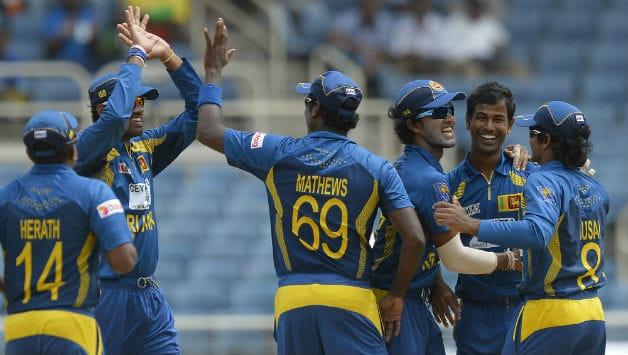 Live Cricket Score India vs Sri Lanka 2013 final tri-series match at Port of Spain
