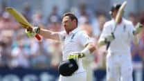 Ashes 2013: Australia need 311 to win 1st Test after bowling England out for 375 on Day 4